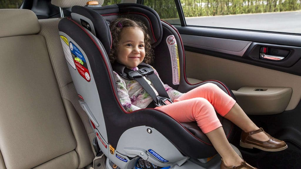 car-seat-InlineHero-Car-Seat-LATCH-girl