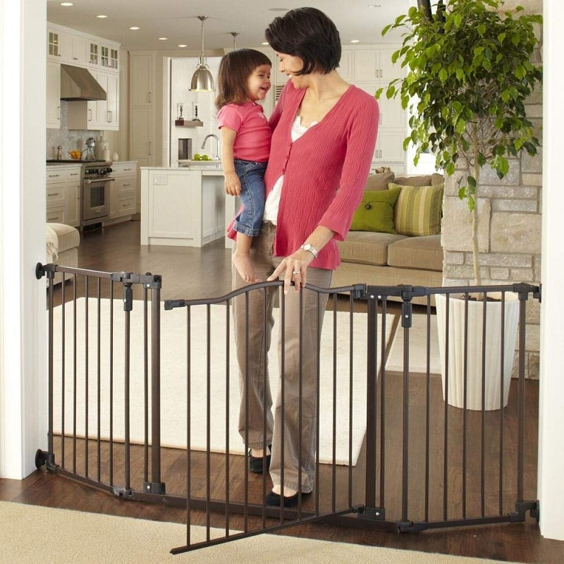 Deluxe Decor Baby Gate